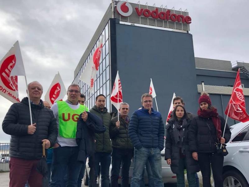 Los trabajadores de Vodafone seguirán con paros y concentraciones