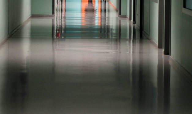 Los sindicatos denuncian que las patronales quieren condenar a las trabajadoras de limpieza de edificios y locales a la miseria
