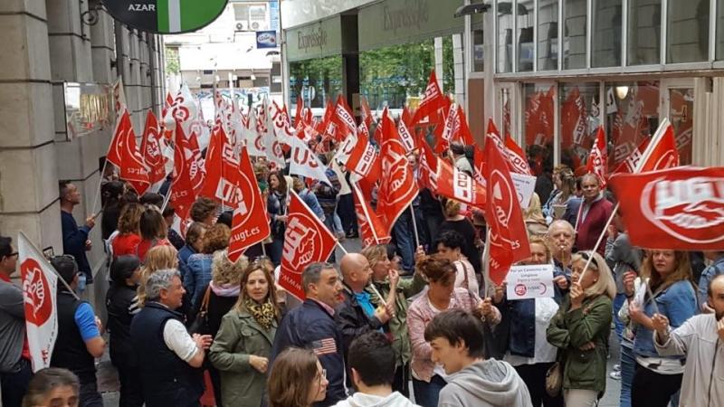 Multitudinaria protesta de trabajadores de la limpieza en el ORECLA en defensa de un nuevo convenio