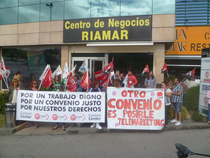 """Los sindicatos prevén un """"largo conflicto laboral"""" si la patronal no desbloquea el convenio de Contact Center"""
