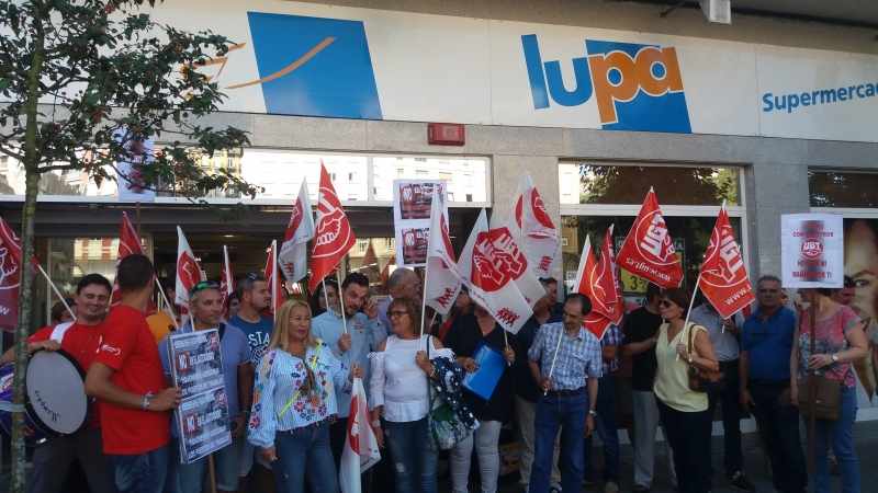 UGT seguirá con las movilizaciones contra las cajas autocobro hasta que Lupa garantice por escrito que no afectarán al empleo