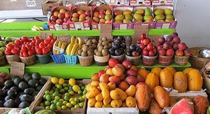UGT firma el Convenio de mayorista de frutas , hortalizas y productos agroalimentarios de Cantabria