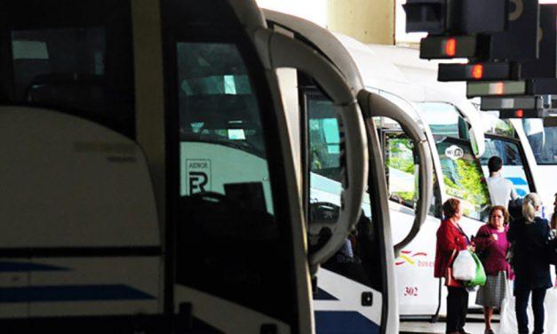 Los sindicatos convocan cinco días de huelga en noviembre en el transporte de viajeros por carretera de Cantabria