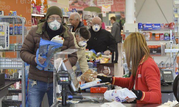 UGT rechaza las amenazas que están recibiendo trabajadores de supermercados de sus vecinos por el miedo al contagio